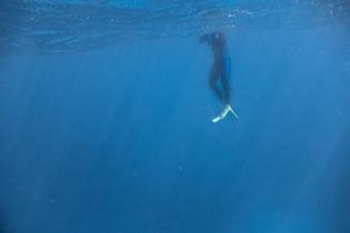 Underwater hangs
